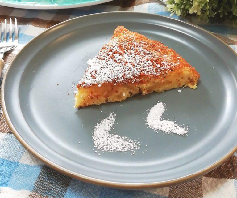 手作りのりんごケーキのアップ