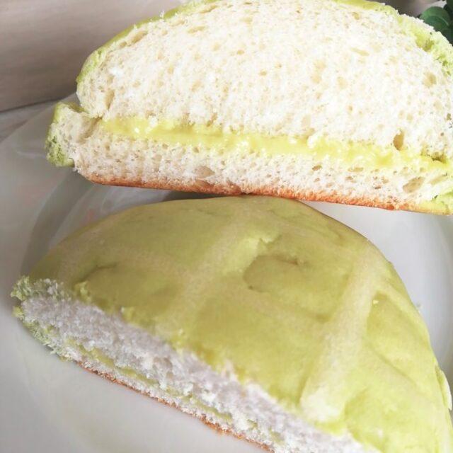 まるでメロンのようなメロンクリームパンの断面図