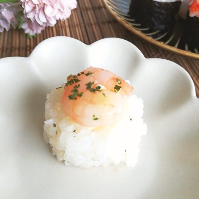 海老マヨ味の手まり寿司