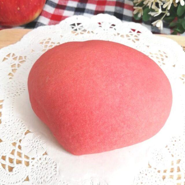 ローソン新商品のパン「しっとりりんごパン」