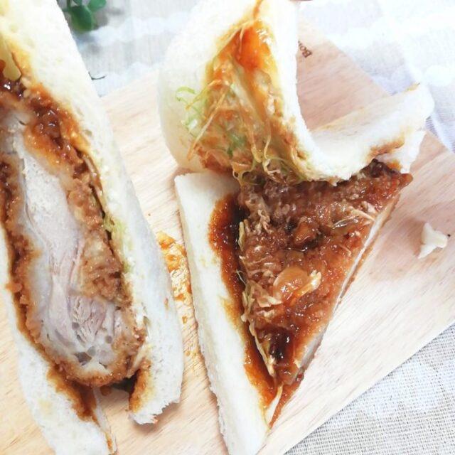ファミマのサンドイッチ「チキンカツサンド」の片面は千切りキャベツ入り