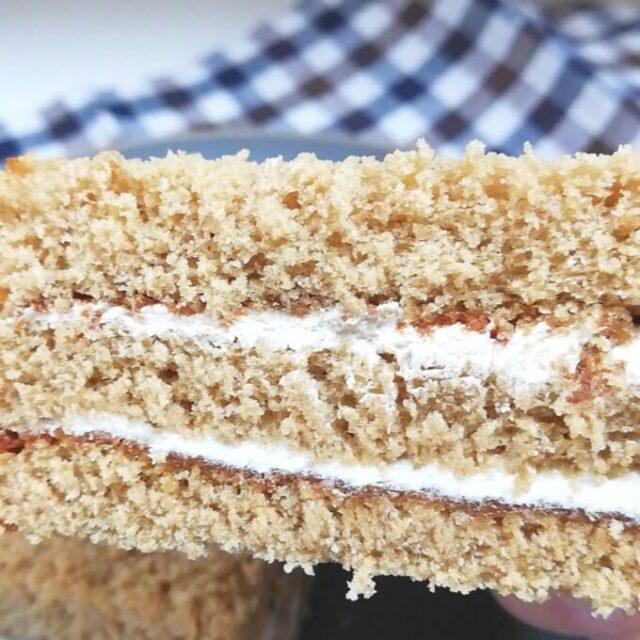 ローソンのコーヒーサンドケーキ 飛騨高原牛乳入りクリームの2種類のクリーム
