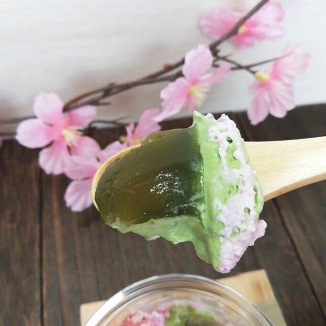 セブンイレブンの桜と宇治抹茶のパフェの抹茶部分を実食