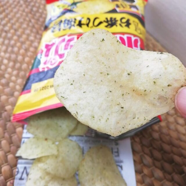 ポテトチップス×永谷園の「お茶づけ海苔味」を実食