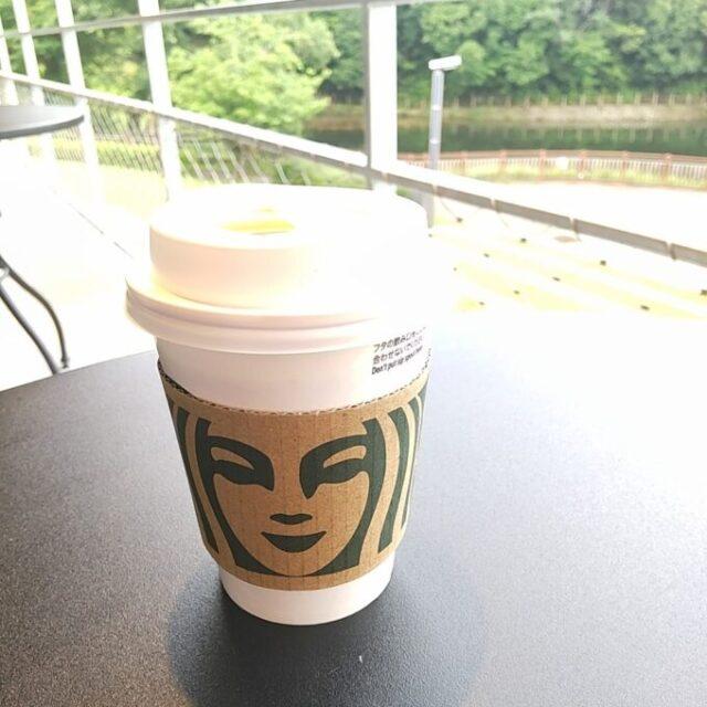 スタバのあんこコーヒーフラペチーノと一緒に飲んだブラックコーヒー